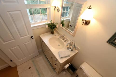 2nd Floor Bathroom Ensuite