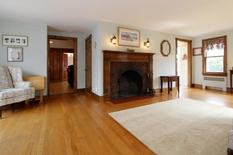 Dinning Rom With Fireplace