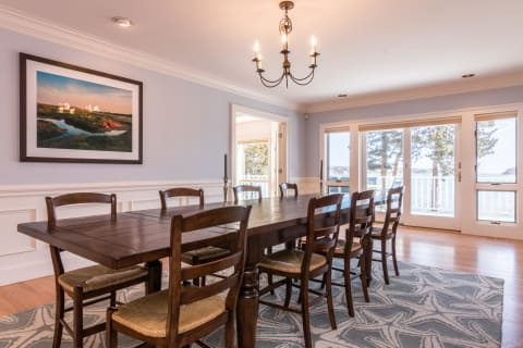 Large & Handsome Dining Room