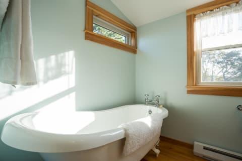Soaking Tub 2nd Floor Bath