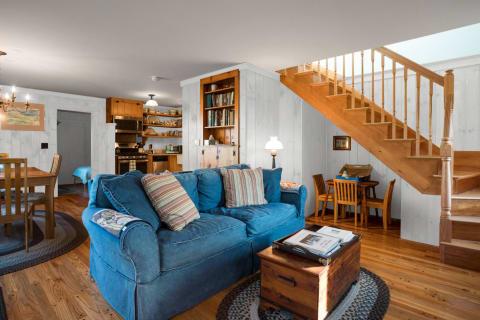 Living Room w/Hardwood Floors