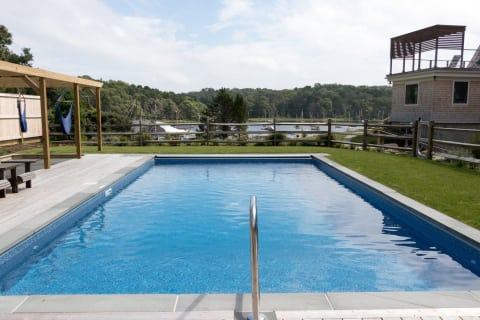 Unwind Pool and Pond-Side