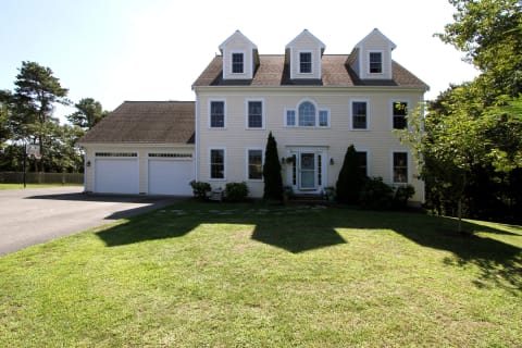 Handsome Home in Carriage Estates