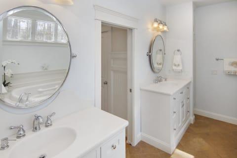 Master Bath w/Double Vanity