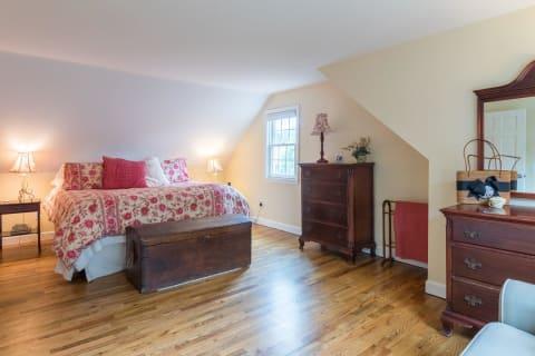 2nd Floor Bedroom w/Hardwood Floors