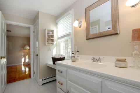 Bath 1st Fl