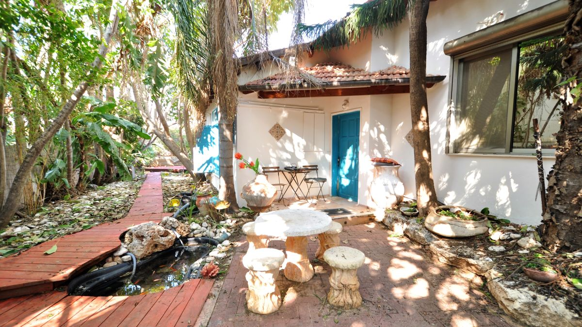 למכירה בית כפרי מקסי� בחרוצי�