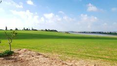 """בחרוצי� למכירה מגרש כ 890 מ""""ר ע� בית של פע�  בקו ר�שון לנוף חקל�י"""