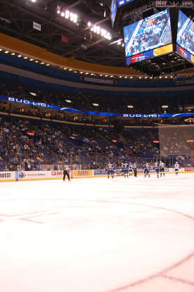 24. How many jerseys numbers have been retired by the Blues?
