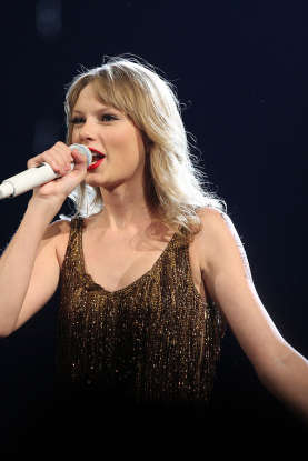 """9. Complete the lyrics from """"Shake It Off"""": """"But I keep cruising, can"""