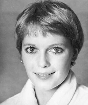 9. Which 1960s horror film stars Mia Farrow as a young woman who experiences an increasingly disturbing pregnancy?