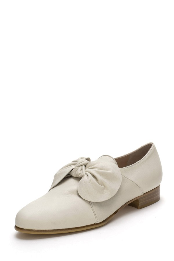 Beige Bow Leather Loafers