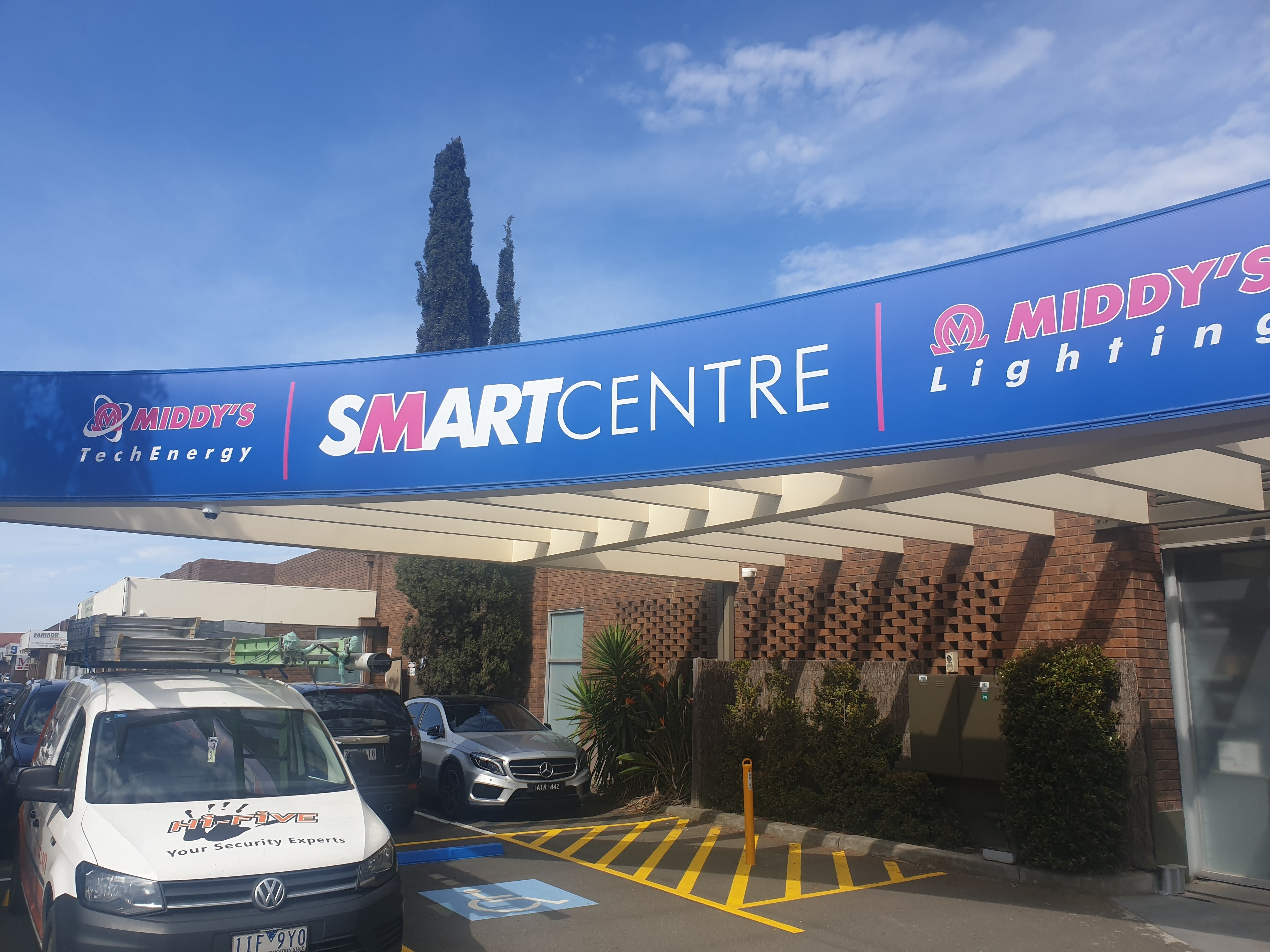 Middys Smart Centre