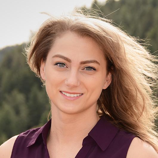 Heather  Fennert Headshot