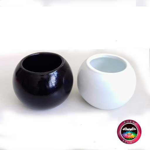 Materas cerámica bolitas colores negra blanca Neea Flora