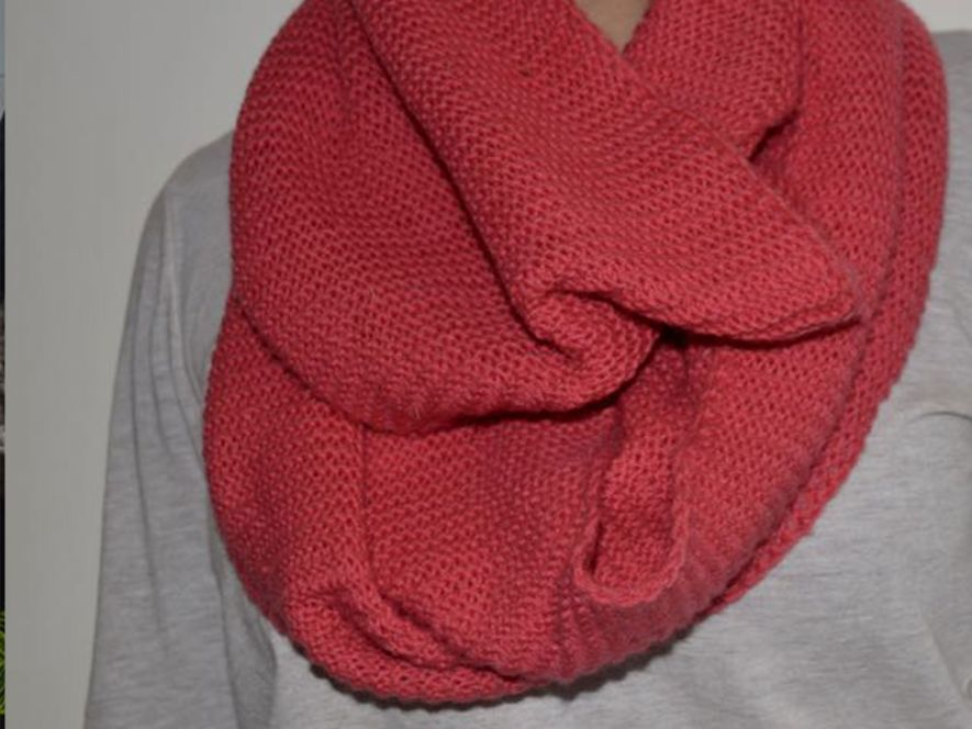 Cowl in Salmon Pink