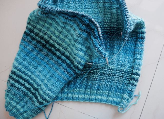 Self striping yarn