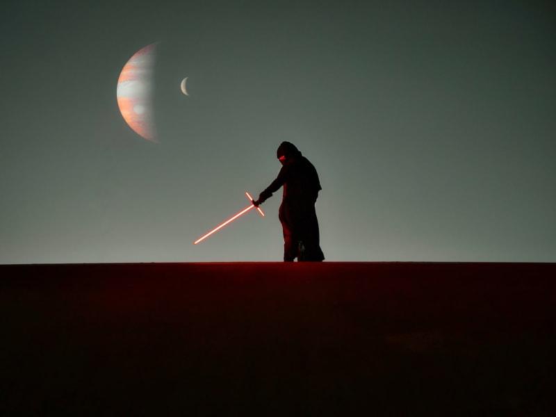 Imagem de destaque do post Sabre de luz: saiba mais sobre a arma Star Wars