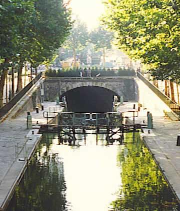CANAL SAINT-MARTIN - 100 m