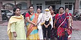शर्मनाक :पटना में छात्रा का दिनदहाड़े चीरहरण, गुंडागर्दी करते रहे मनचले तमाशा देखते रहे लोग