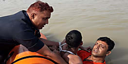 कार्तिक स्नान के मौके पर पटना के गंगा घाटों पर मुश्तैद रही NDRF की टीम, दो की बचाई जान