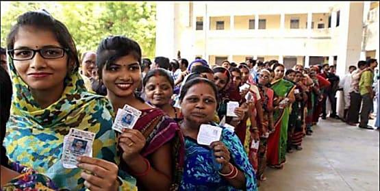लोकतंत्र के महापर्व पर आधी आबादी की दिखी बड़ी भागदारी, बड़ी संख्या में महिलाओं ने किया मतदान