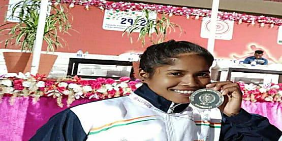 बिहार की बेटी ने भाला फेंक प्रतियोगिता में जीती रजत पदक,गुवाहाटी में खेलो इंडिया यूथ गेम्स का आयोजन