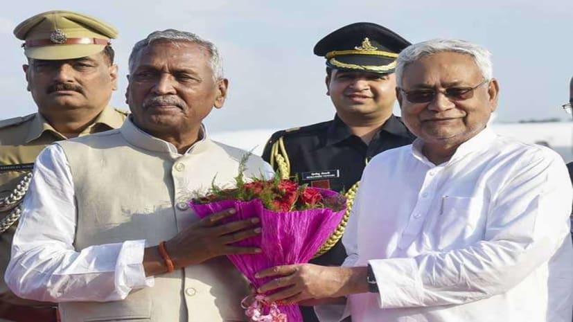 सीएम नीतीश कुमार पहुंचे राजभवन,राज्यपाल फागू चौहान से कर रहे मुलाकात