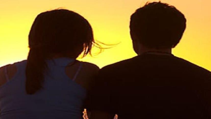 ट्रेन के आगे कूदकर प्रेमी-प्रेमिका ने दी जान, लंबे समय से दोनों में चल रहा था लव...