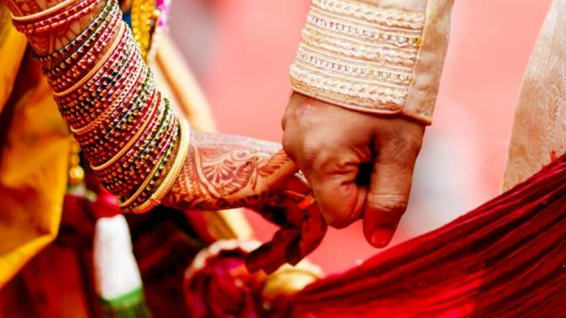आधी रात को एसडीएम साहब को रचानी पड़ी शादी, जानिए क्या है पूरा मामला