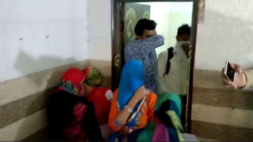 एन एच किनारे स्थित होटल में चल रहा था देह व्यापार का धंधा, पुलिस ने मौके से पांच महिलाओं को तीन ग्राहक के साथ दबोचा