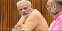 कैबिनेट बैठक से एक घंटा पहले पीएम मोदी से मिलने पहुंचे अमित शाह, कश्मीर को लेकर हलचल तेज...