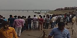 गंगा नदी के जर्नादन घाट पर डूबा लड़का, तलाश जारी