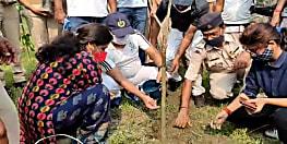 SUPAUL NEWS : विश्व पर्यावरण दिवस पर एसपी ने किया वृक्षारोपण , कहा ऑक्सीजन के महत्व के समझे लोग
