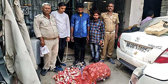 उत्पाद विभाग की टीम ने बरामद किया 340 टेट्रा पीस फ्रूटी शराब, तीन गिरफ्तार