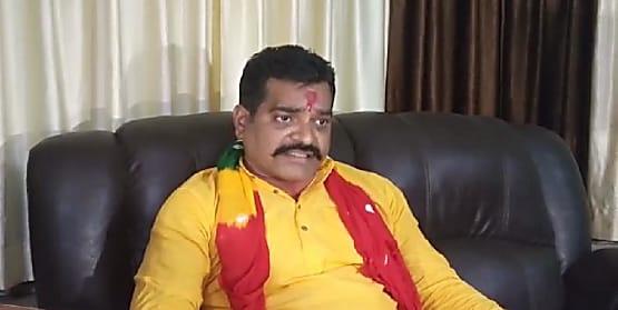 अनंत सिंह खेमे ने एफएसएल रिपोर्ट पर उठाया सवाल, पूछा- हैदराबाद गई ऑडियो सैंपल रिपोर्ट में पटना की मुहर कैसे?