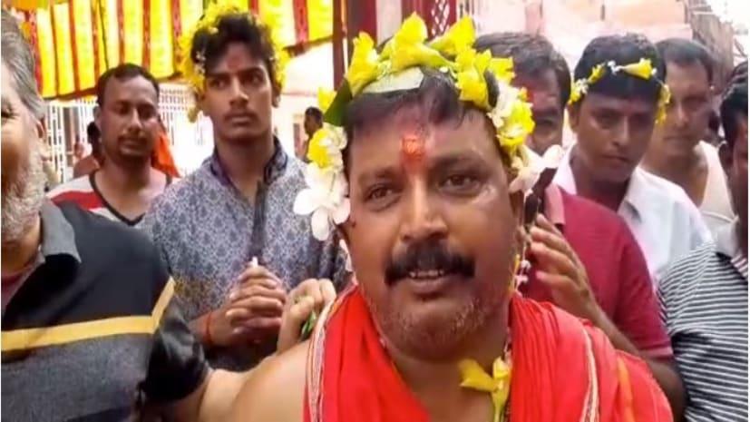 देवघर बाबा मंदिर में मंत्री ने की माँ दुर्गा की पूजा अर्चना, राज्य में सुख-समृद्धि की कामना