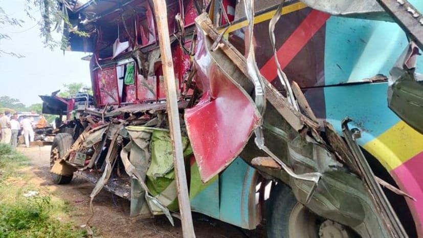 रायपुर में बड़ा हादसा, बस और ट्रक के बीच हुई जबरदस्त टक्कर, 7 मजदूरों की मौत