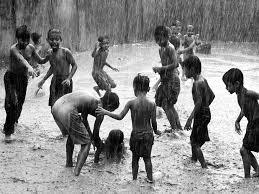 Kids-in-Rain_eyqgy9.jpg