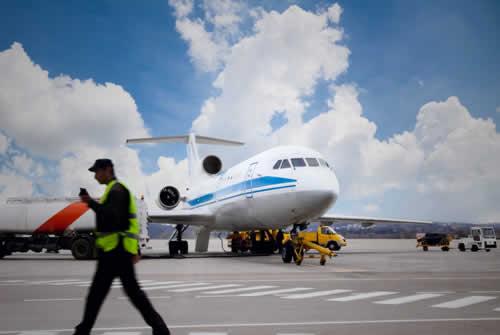 Back Equipo, Repuestos y Suministros de Aviones