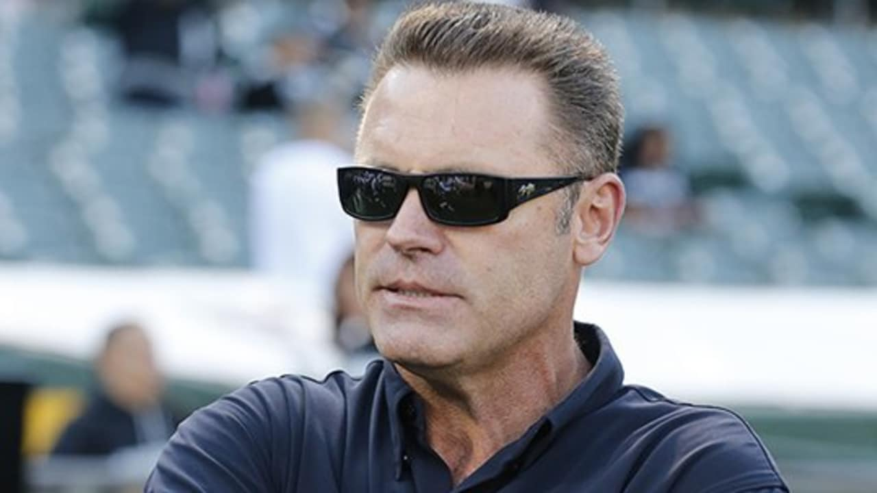 J.T. The Brick Talks With Howie Long