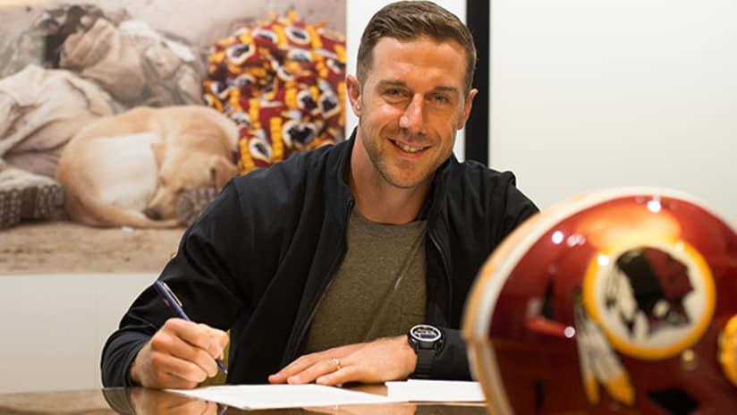 a863075e6 Redskins Sign Quarterback Alex Smith To Contract Extension