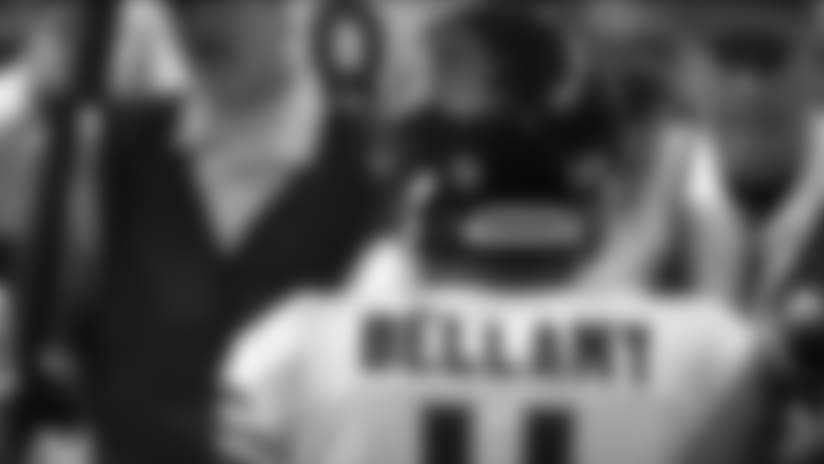 Joshua Bellamy rushes for 22-yard gain
