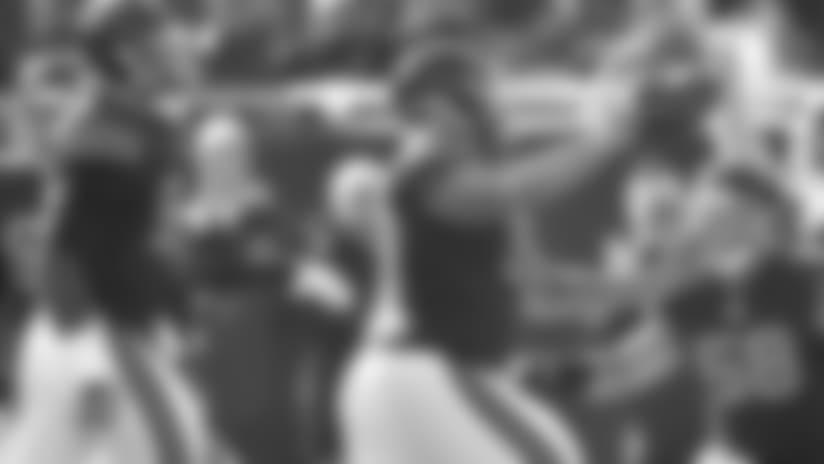 Akiem Hicks recovers Matthew Stafford fumble