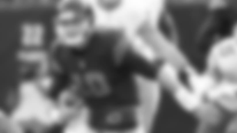 Mitchell Trubisky scrambles for 19 yard gain