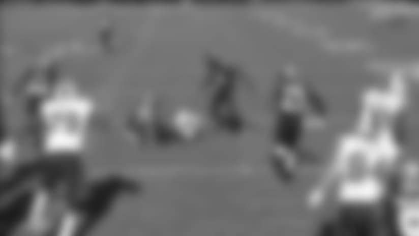 Bills RB LeSean McCoy springs through Jags defense for a 12-yard gain