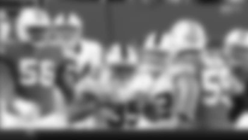Bills FB Mike Tolbert picks up extra yards