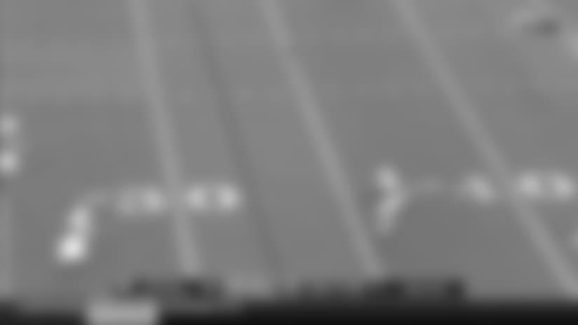 Bills QB Tyrod Taylor finds wide receiver Kelvin Benjamin for 18-yard gain
