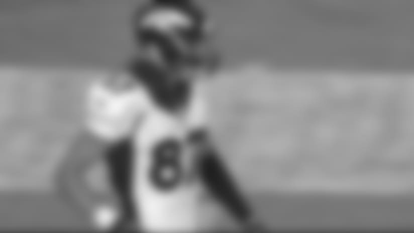 Paxton Lynch finds Jordan Taylor for 32-yard gain
