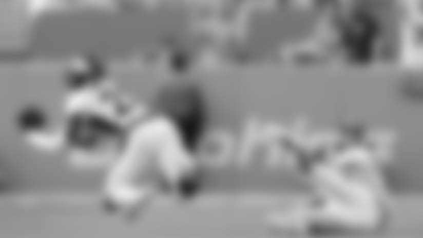 Chris Harris Jr. makes diving interception vs. Dolphins